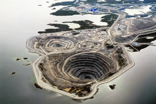 The 10 Largest And Deepest Hole In The World