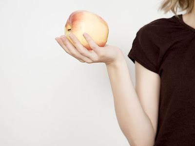 Διαβήτης & διατροφή: Επιτρέπεται να τρώνε μήλο οι διαβητικοί;