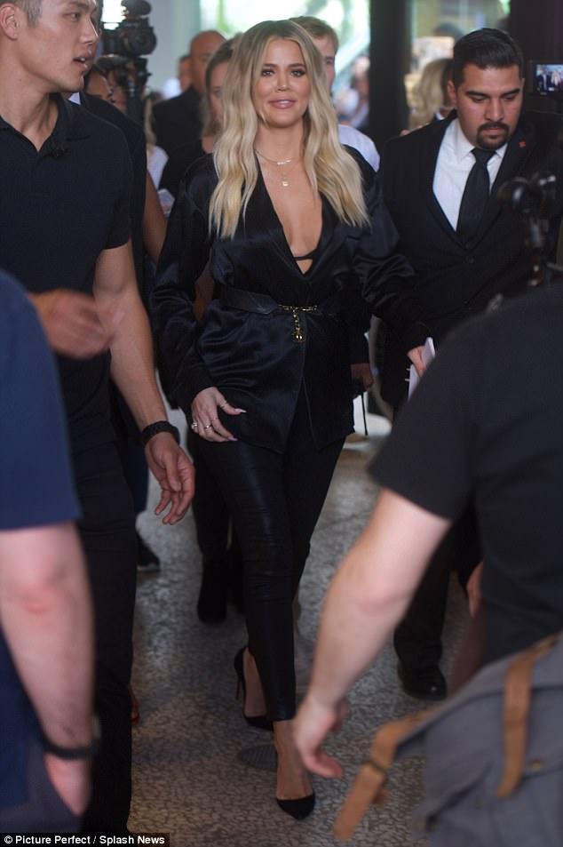 Pregnant Khloe Kardashian steps out in all black