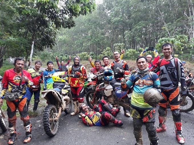 Tim Adventure Rabat Jakbar Sambangi Baduy