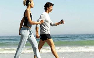 Thoái hóa khớp gối có nên đi bộ ?