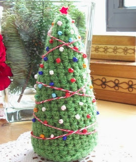 http://louisetmoi.blogspot.com.es/2012/12/patron-de-arbol-de-navidad-de-amigurumi.html