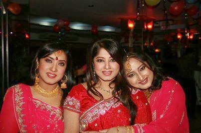 Actress Moushumi with her sisters