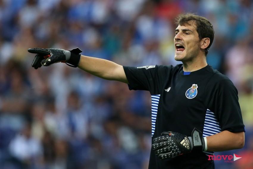 É verdade que Iker Casillas tem mostrado um brio profissional sem  precedentes. É o primeiro a defender publicamente o Clube Portista 792ce9978ec24