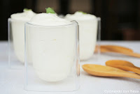 Mousse de chocolate blanco con menta