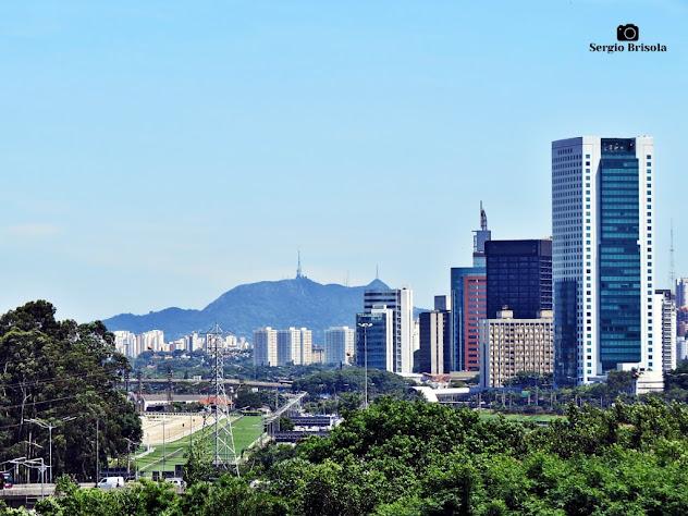 Vista ampla englobando o Jockey Club - Pico do Jaraguá - Jardim Paulistano - São Paulo