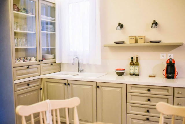 Έλα, κερνάω καφέ στην κουζίνα 5 Annie Sloan Greece