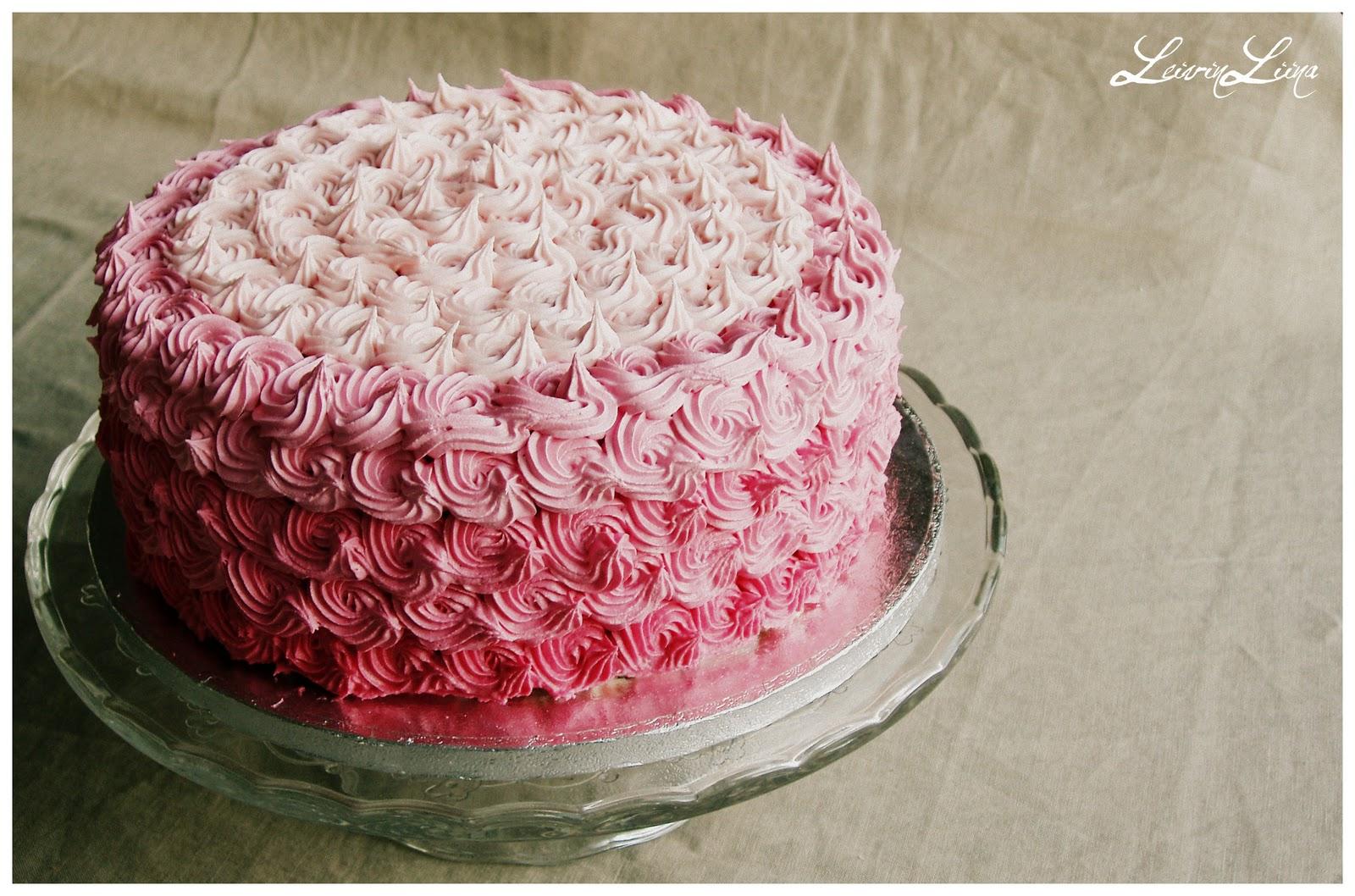 Vaaleanpunainen Kakku