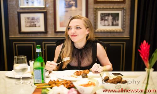 Amanda Seyfried Age,Net Worth,Cars,House,Family - Biography
