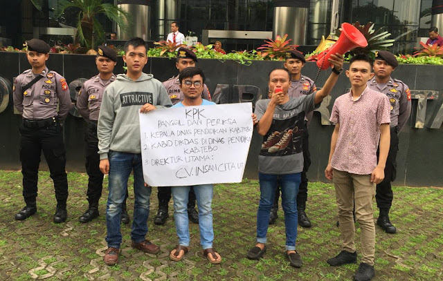 Sorot Proyek Pengadaan Buku di Tebo, AMPP Kembali Demo di Kantor KPK RI