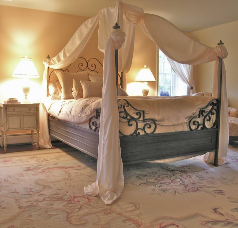 Bedroom Sets With Canopy Bedroom Wallpaper Textures Master Bedroom Chandeliers Black Bedroom Accessories: Make Your Life Colorful: ROMANTIC BEDROOM DESIGN