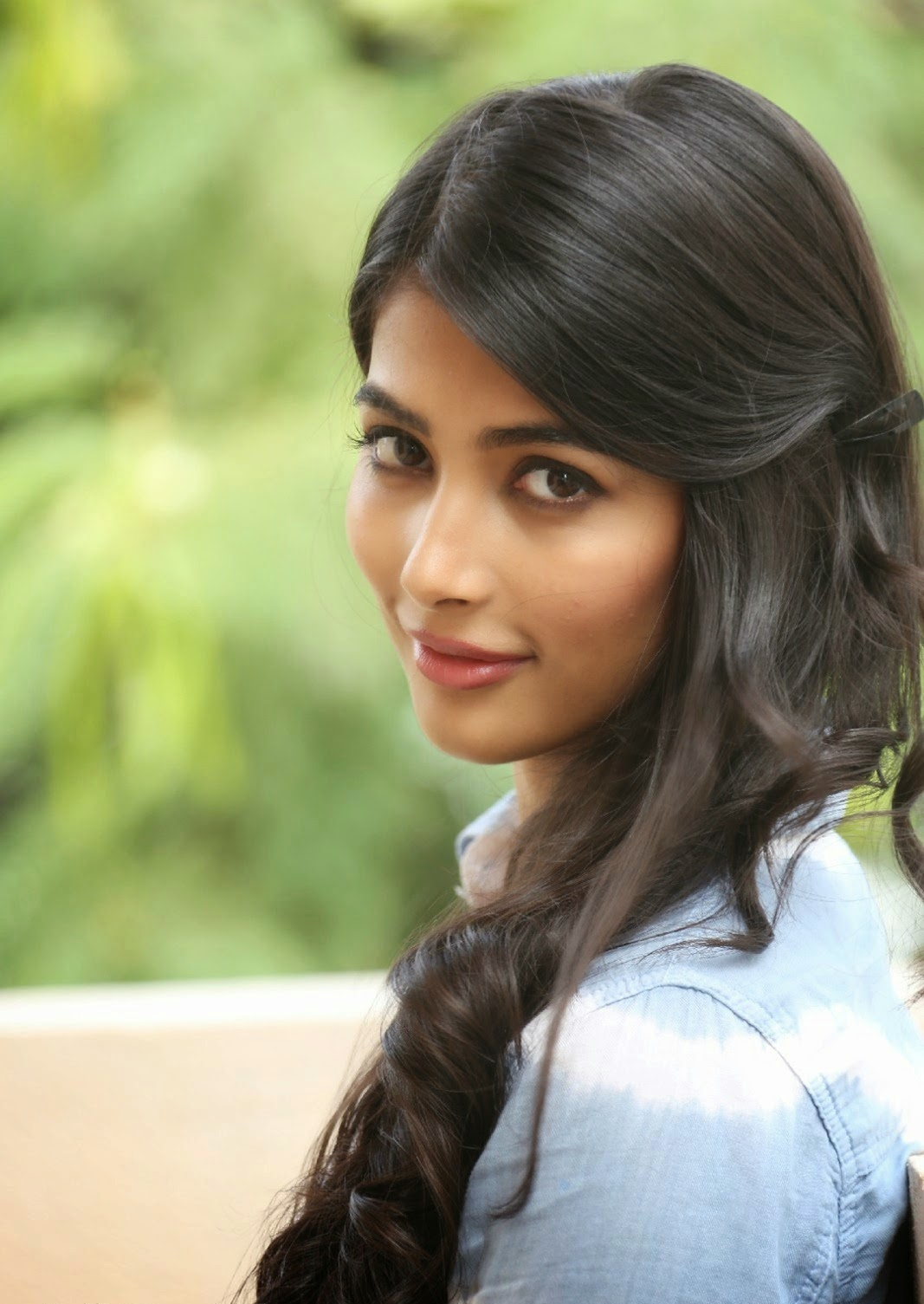 Pooja Hegde Latest Photo Gallery In Blue Jeans