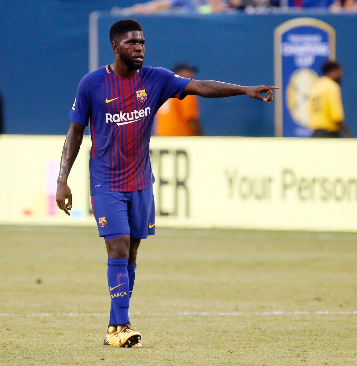 Buy new fc barcelona 17 18 home kit numbers on pitch debut - New home barcelona ...