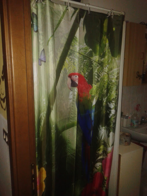 https://www.newchic.com/shower-curtain-and-accessories-5039/p-1115198.html?utm_source=Blog&utm_medium=56773&utm_content=2677
