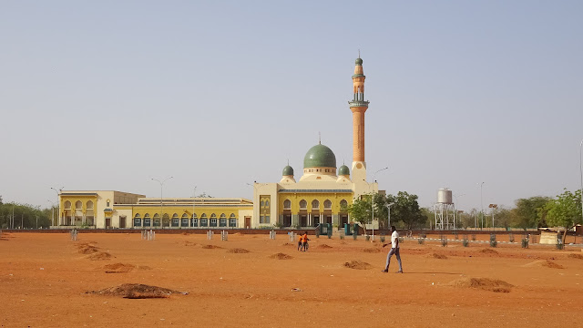Located at the Islam Avenue, its the biggest mosque in Niger