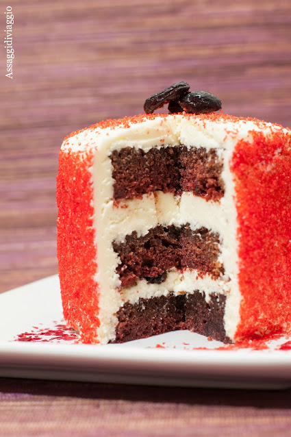 Red velvet cake all'Amaretto di Saronno e cranberries