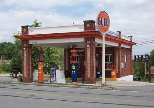 Americana Beautiful Old Gas Stations