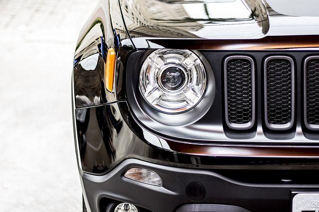 Jeep Renegage Black 正面からの写真