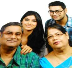 Sayantani Ghosh Family Husband Son Daughter Father Mother Age Height Biography Profile Wedding Photos