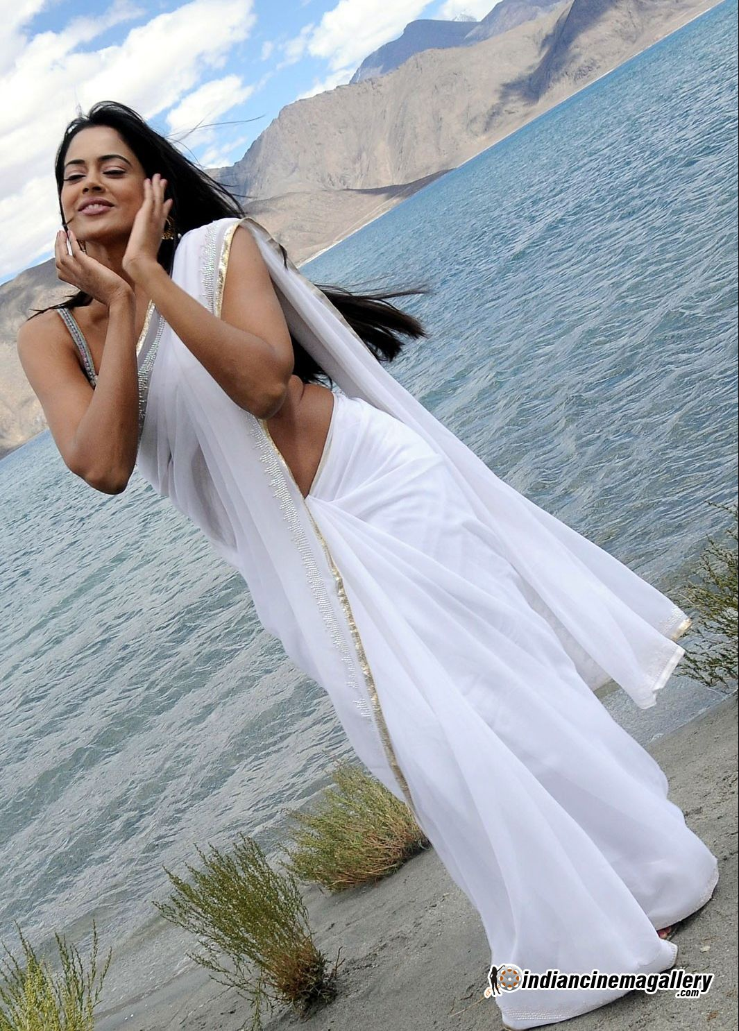 Hot Sameera Reddy In Saree - Unseen Photos - Sabwoodcom-4789