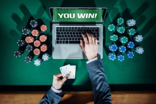 Trik Jitu Untuk Menyasati Kartu Poker Online Kombinasi Yang Kurang Bagus