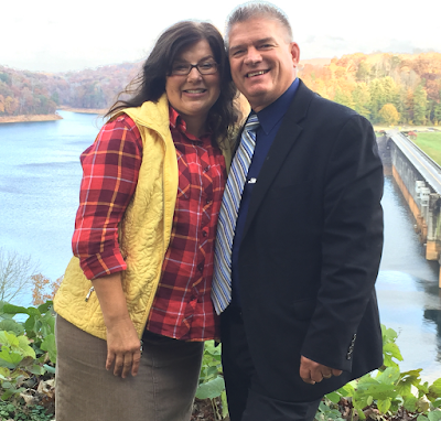 Gil and Kelly Bates celebrate 30th anniversary