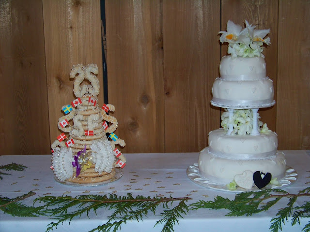 Kransekage and wedding cake