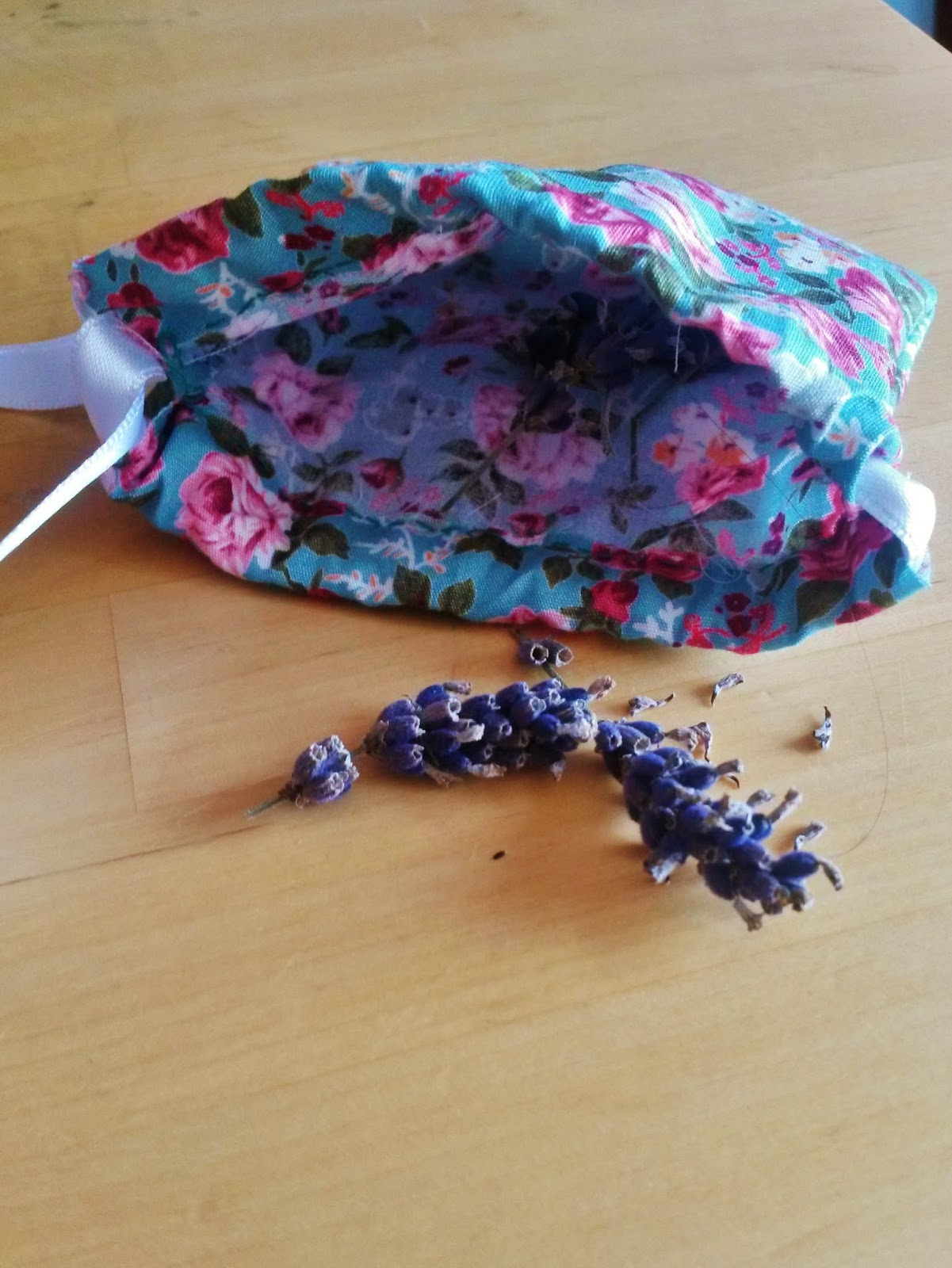Putting lavender in home made bag