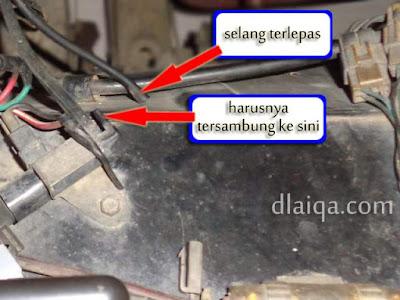 sumber masalah: selang vakum terlepas dari solenoid vakum idle up