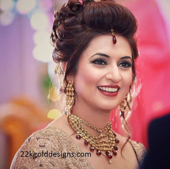 Divyanka Tripathi Reception Jewellery