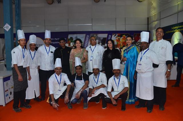 Mrs. Shaina NC, Dilip C. Datwani, Ms. Sonia Chawla, Reema Lokesh with Chef Compititor