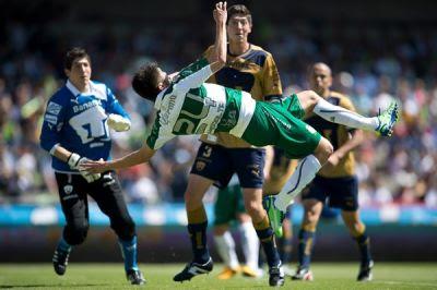 Pumas ganó 2 a 1 a Santos