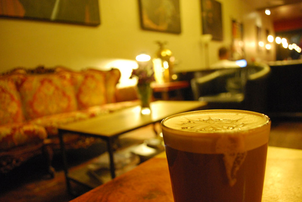 photo Coffee_Shop_Art_Atmosphere_zpsql5sk1ew.jpg