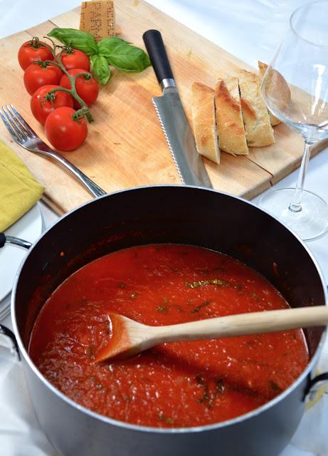 carlyklock: Authentic Italian Tomato Sauce