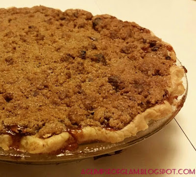 homemade apple pie with crumble topping