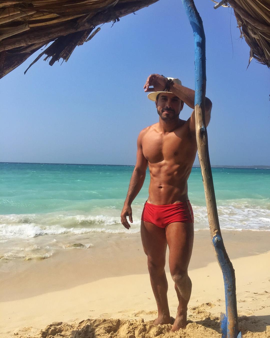 Publicitário Glauber Barreto visita Playa Blanca, na Cartagena.