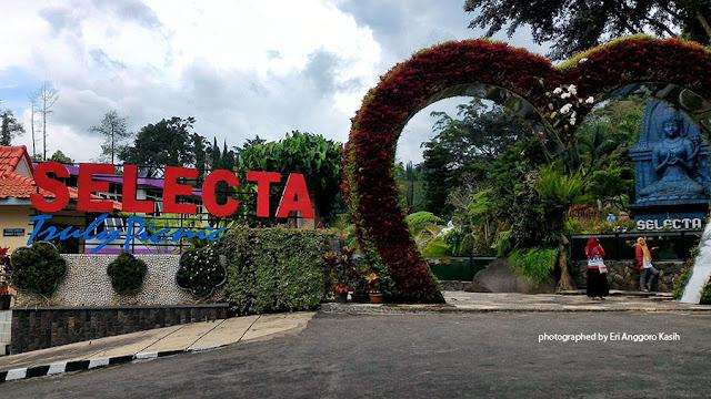 Foto Signboard Taman Wisata Selecta Kota Batu, Jawa Timur.