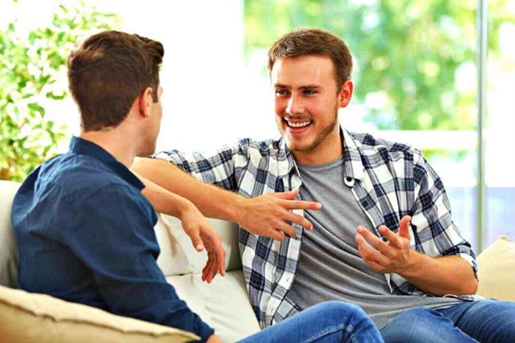 İnsanları olumlu düşündürmek için benzer anılardan bahsederseniz karşıdaki kişi de daha samimi davranacaktır.