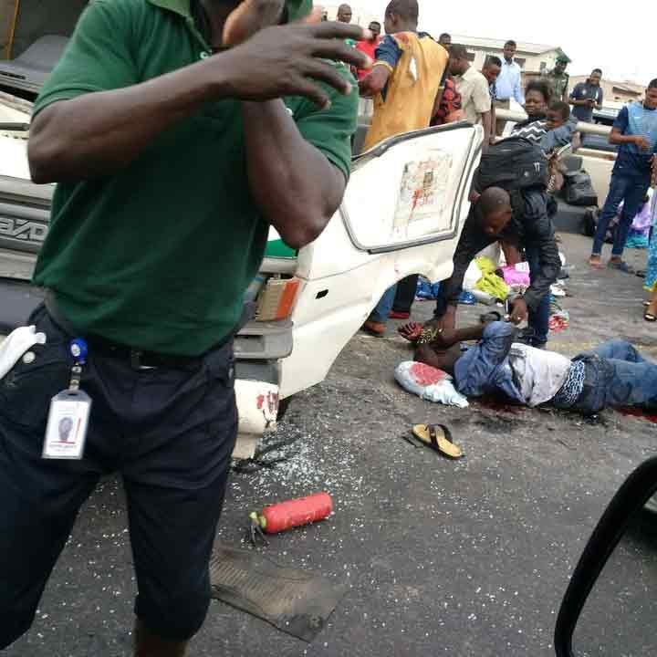 Many injured as multiple cars collide on 3rd Mainland Bridge, Lagos