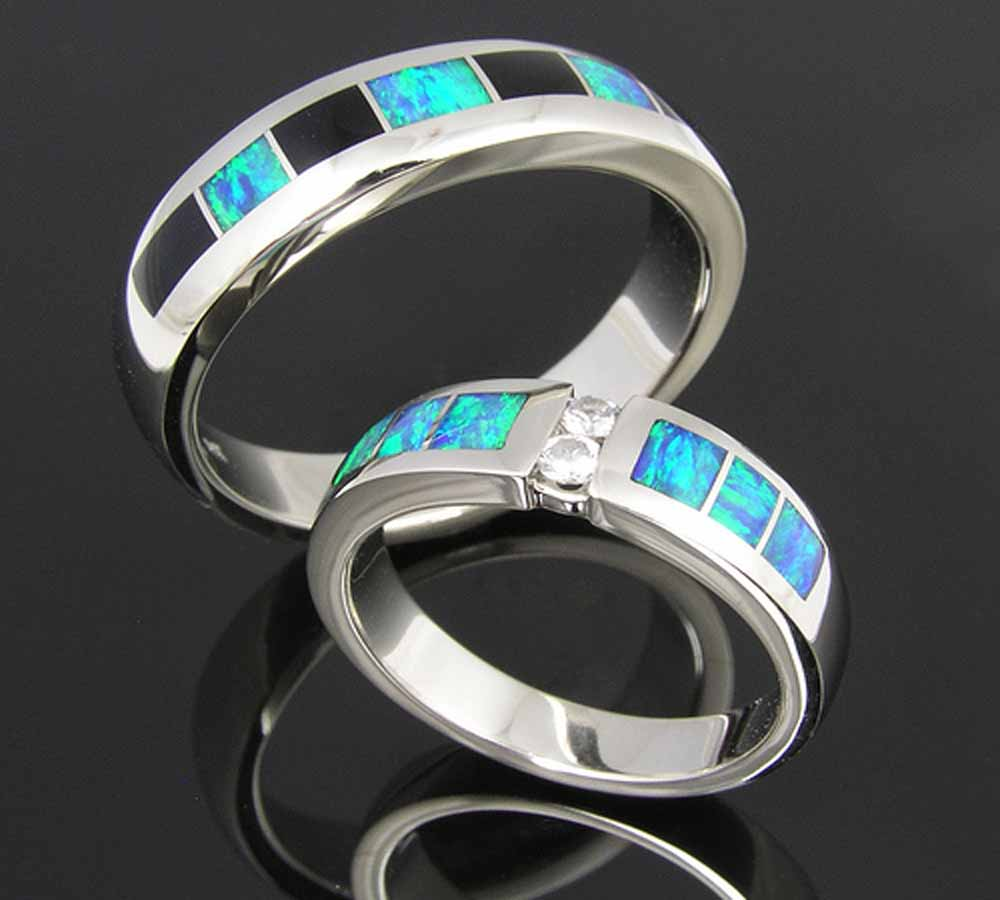 silver wedding rings silver wedding rings Every fine jewelry store across the nation and beyond sells high quality silver wedding rings They can be bought online but it is a good idea to go to a