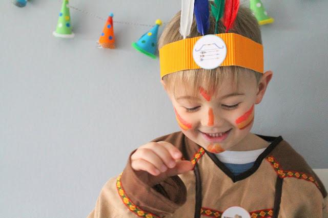 Schminkideen DIY Ideen Indianer Kostuem DIY Karneval Kostueme Verkleiden Kinder Indianer Jules kleines Freudenhaus