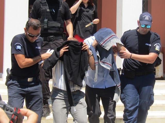 """Μέσω """"διοικητικής κράτησης"""" τους δίνουν στον Ερντογάν!!!"""