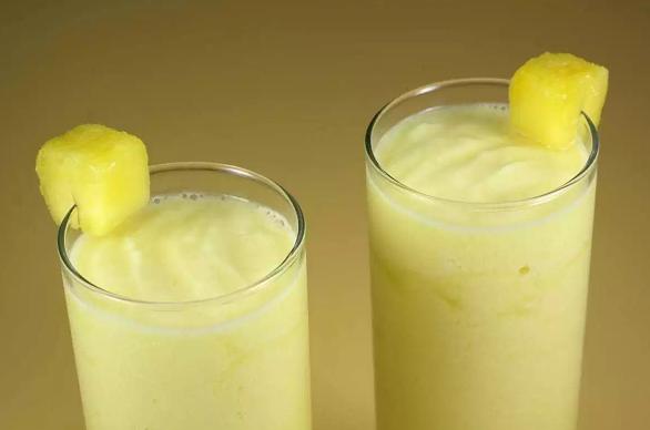PINEAPPLE RUM SLUSH #drink #pineapple