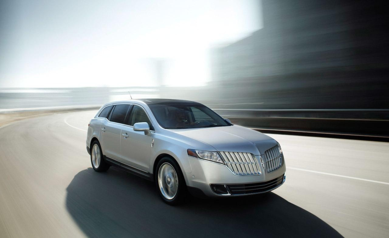 Lincoln MKT Town Car Fleet Photos, Specs