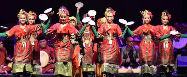 CONTOH TARIAN TRADISIONAL DARI 34 PROVINSI DI INDONESIA