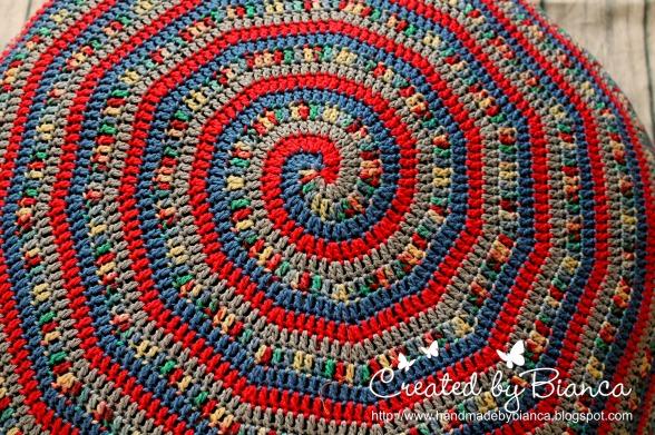 Handmade by Bianca: Kindersitzkissen für den Fußboden gehäkelt