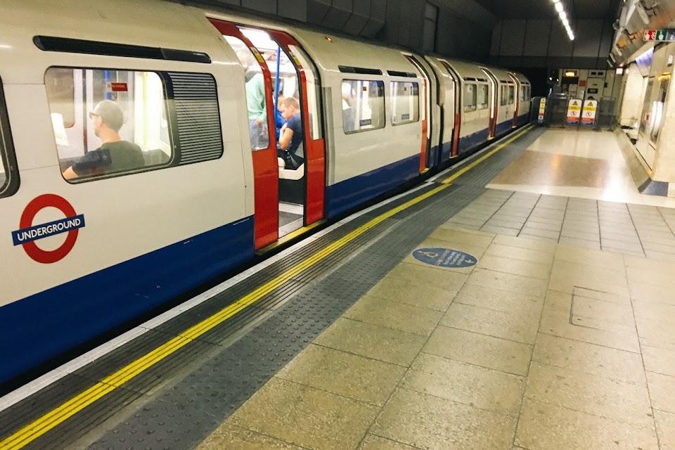 ロンドン地下鉄(London Underground) ピカデリー線(Piccadilly Line)