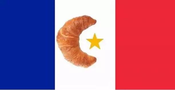 Τον ήπιανε οι Γάλλοι με τον Μακρόν που τους έβαλαν!εντελώς δημοκρατικά!!