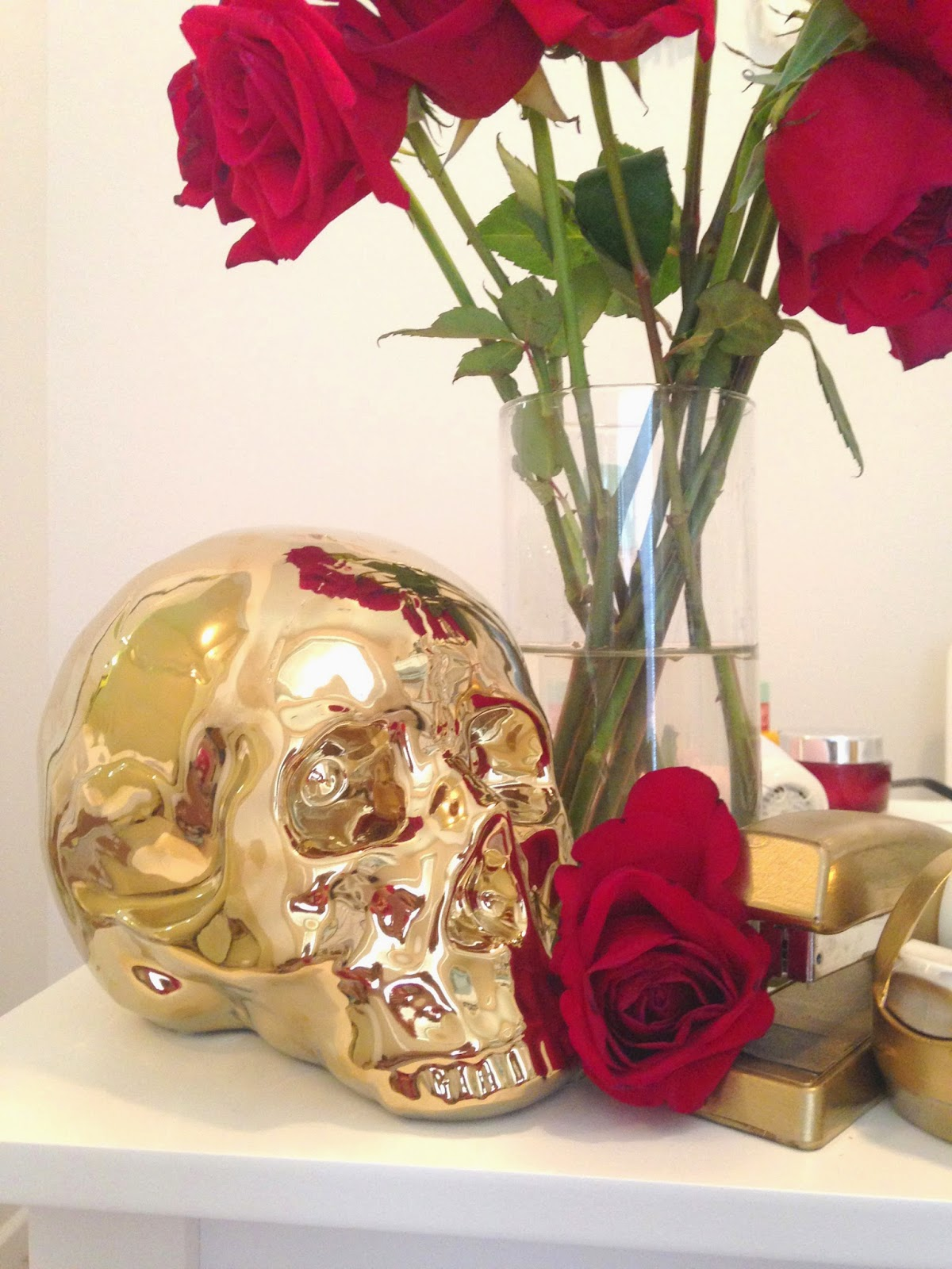 decorate office gold skull white and gold office