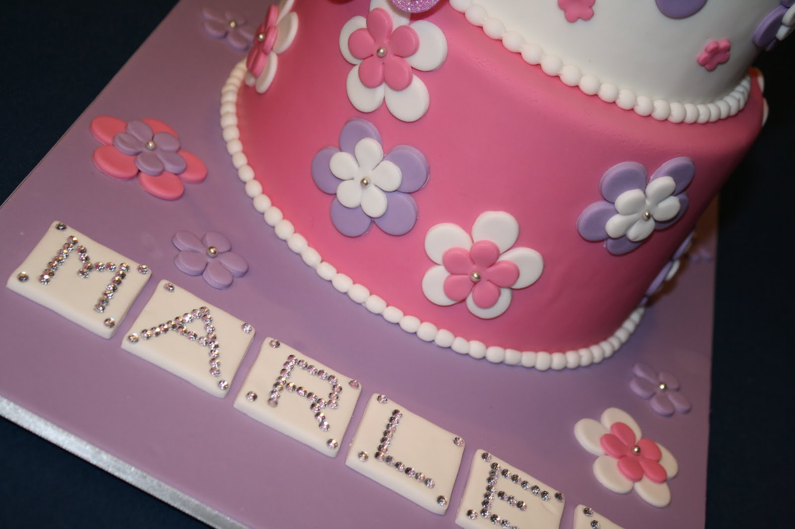 Marley S Pretty 1st Birthday Cake Posted By Sandy